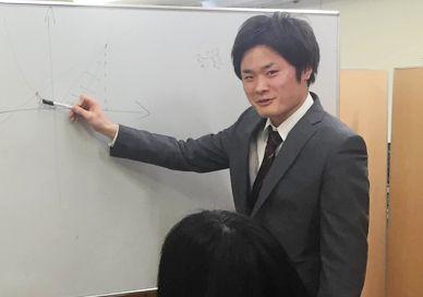 甲府支店責任者 伊藤 祥己