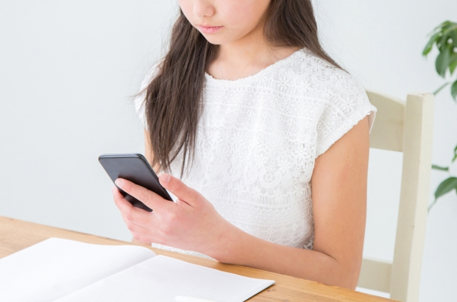 ネットやゲームばかりする中高生のお子さんにお困りの保護者の方必見!睡眠と学力の関係は?気になる対処法をご紹介!