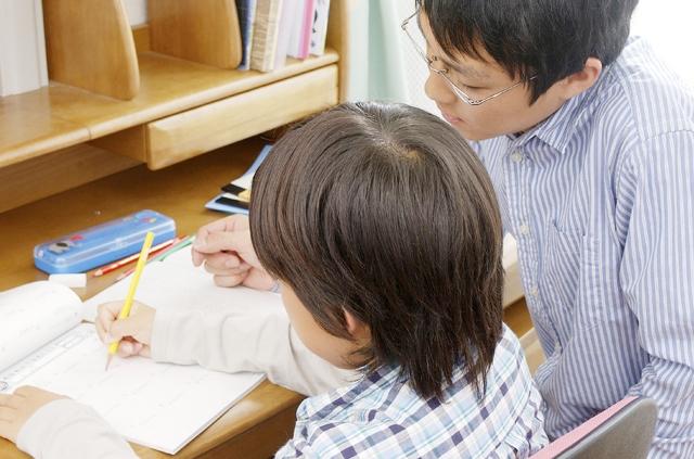 大学生に人気「家庭教師バイト」の仕事内容や時給を知りたい!